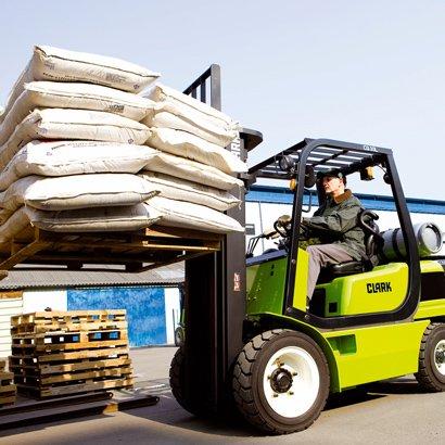 Clark Forklifts | Beds & Bucks Forktrucks