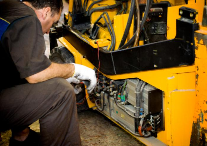 Service Your Forktruck Before Winter Sets In