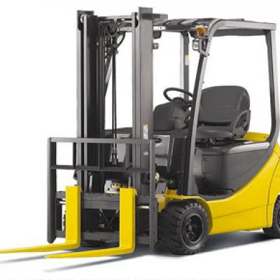 What You Need to Know About Servicing Your Forklift
